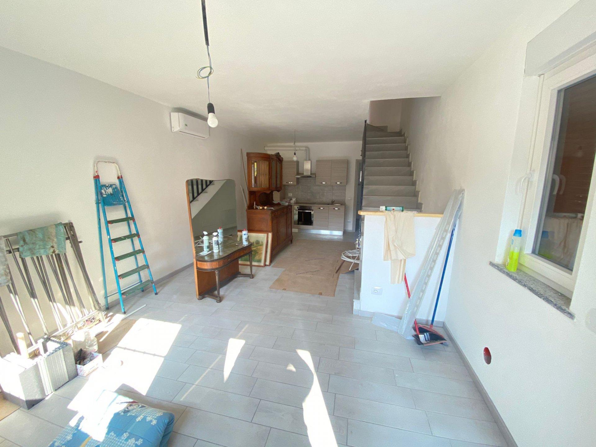 Sale Semi-detached house - Bulgarograsso - Italy