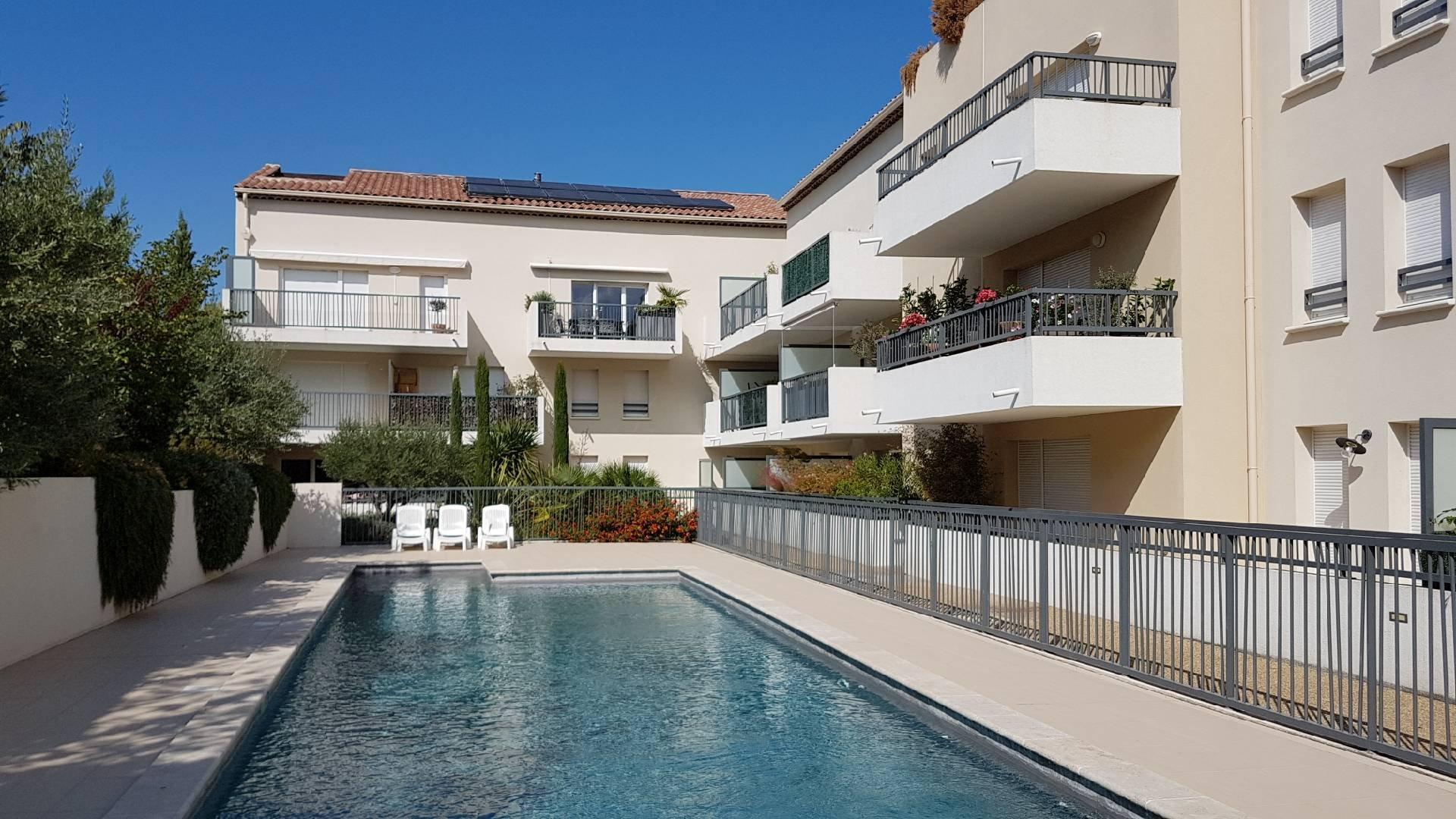 appartement avec garage et piscine