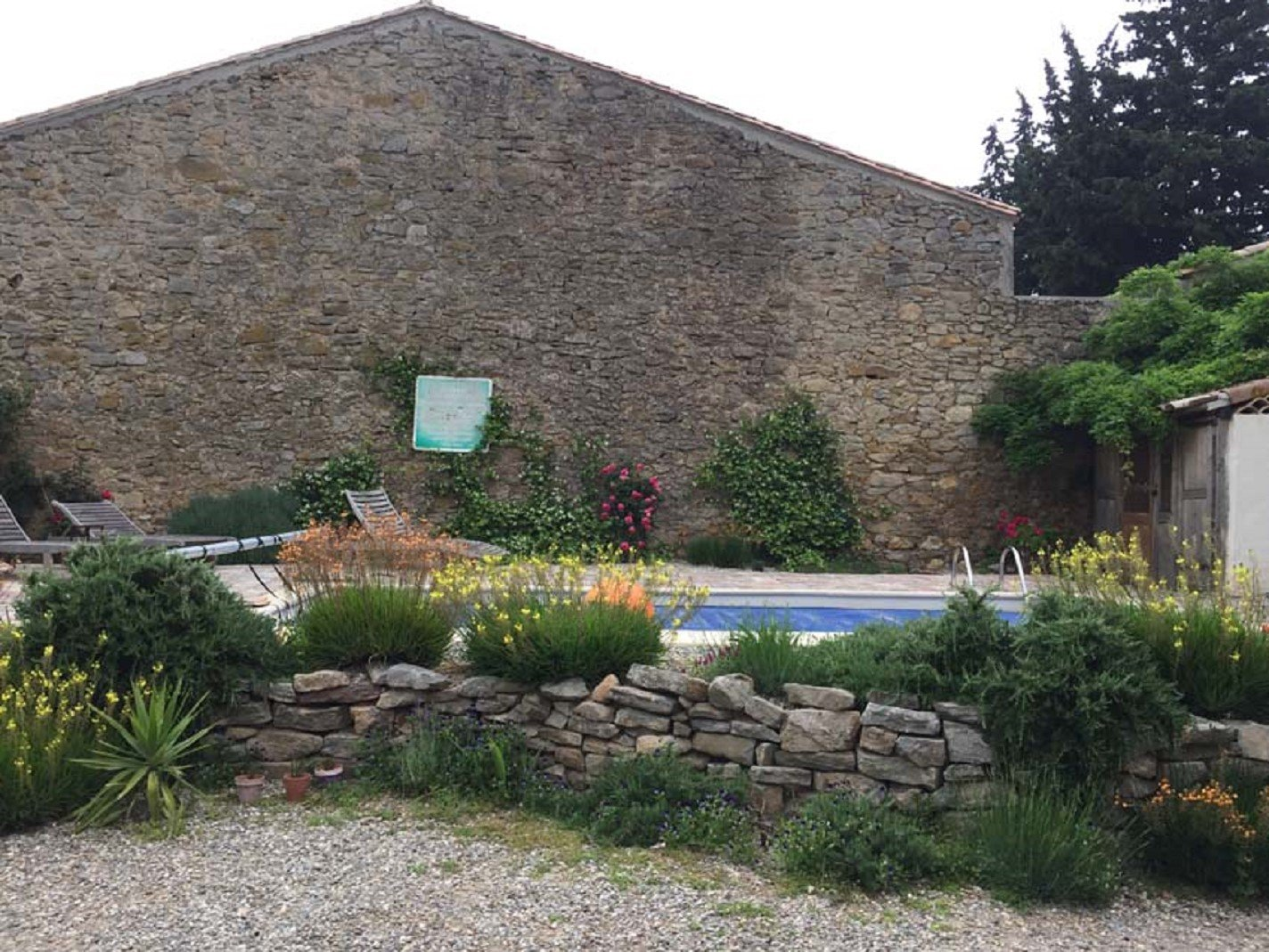 Maison de maître with large garden and swimming pool