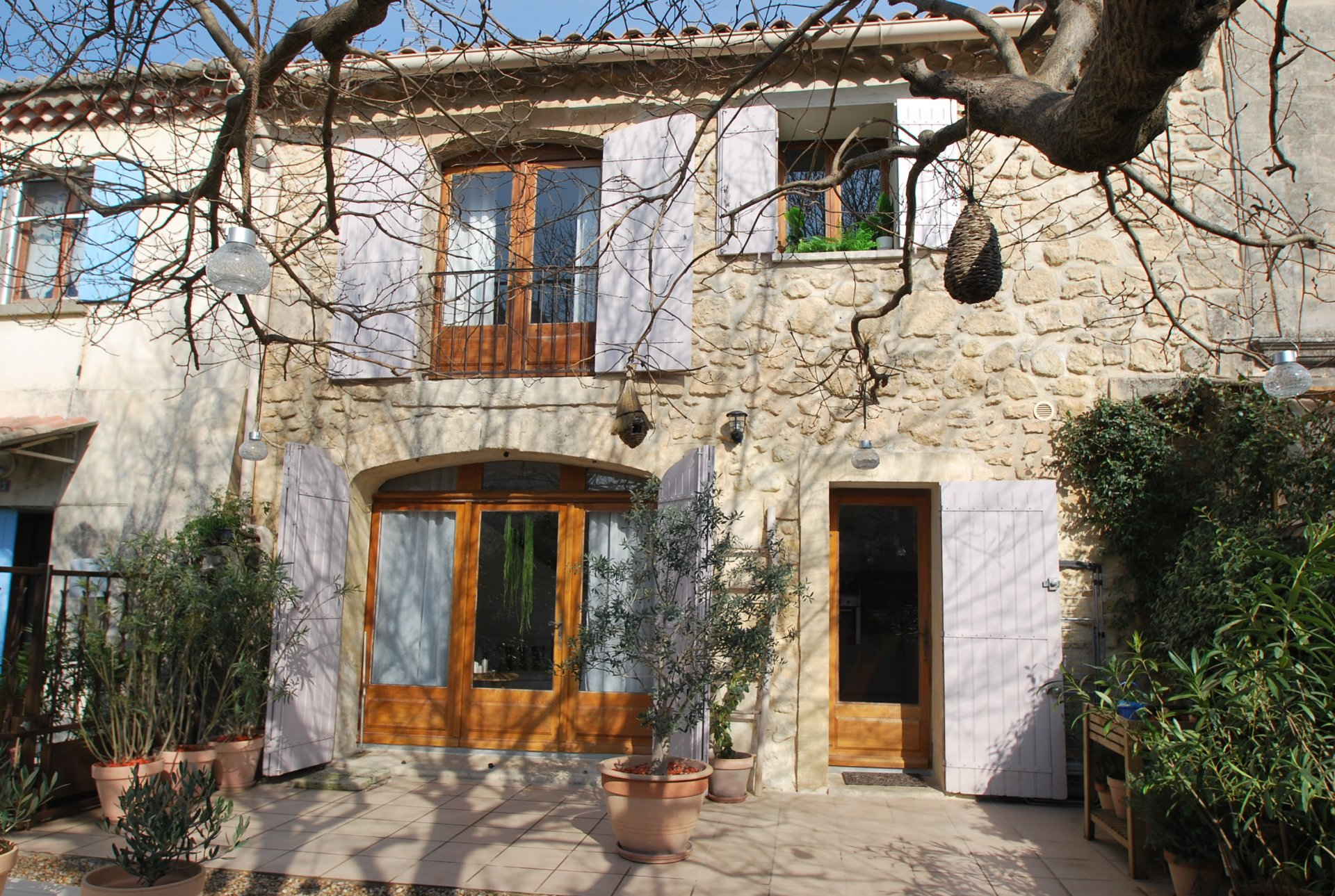 Maison de village en pierre à Fontvieille