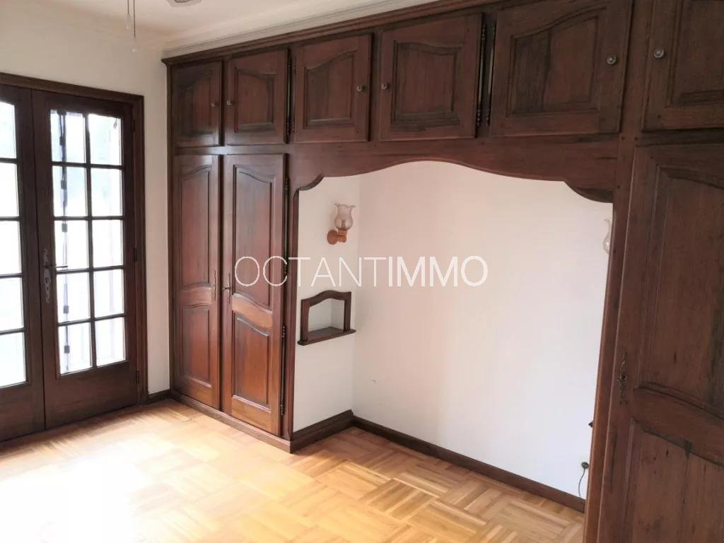To rent in BIOT - terraced house with 2 bedrooms and garden