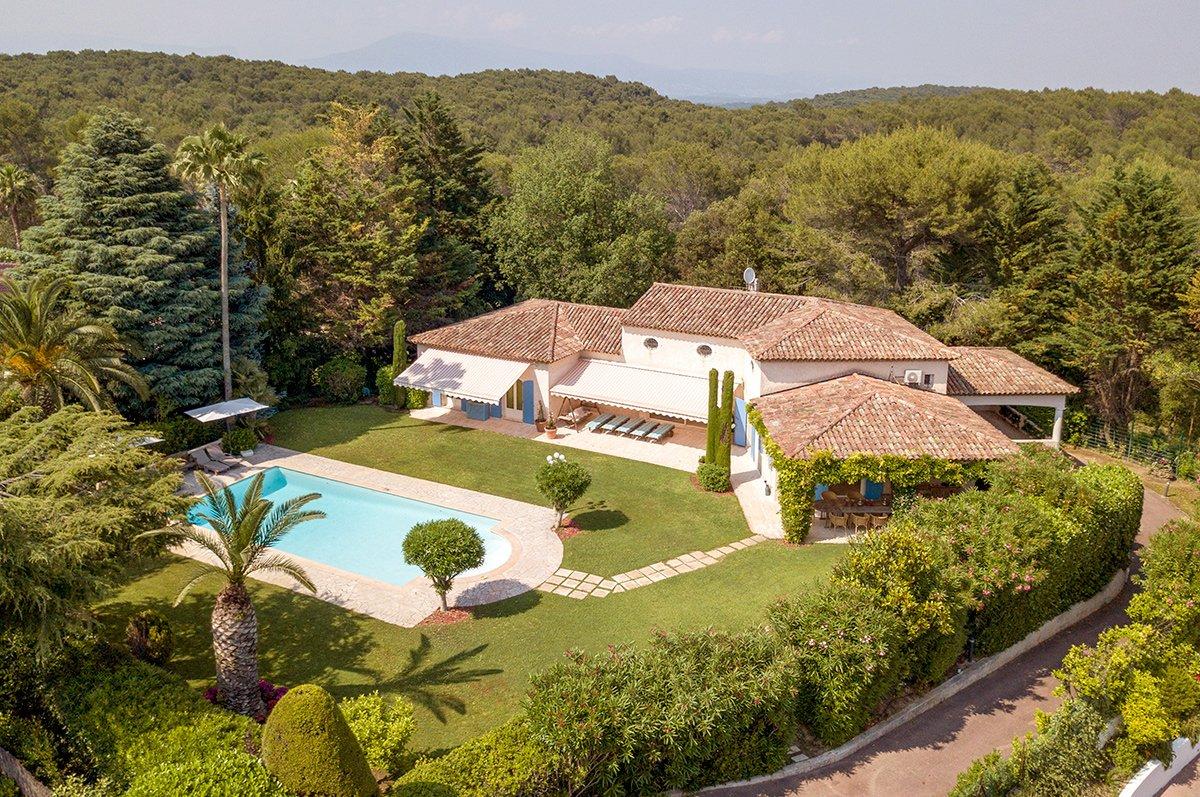 Large provencal villa with 6 bedrooms in Parc de Mougins
