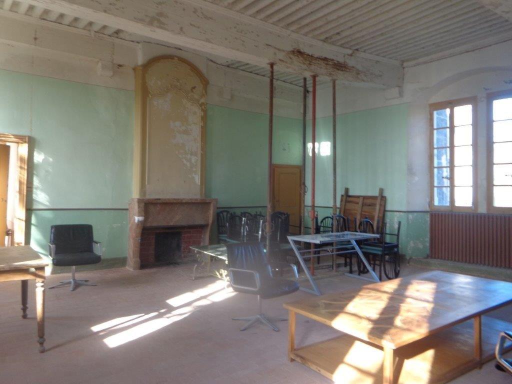 AIN Château XVIè à restaurer entre Lyon et Genève