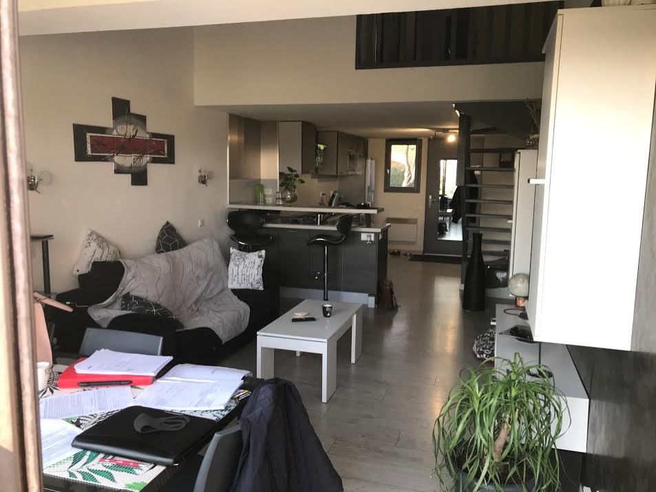 HOLIDAY FLAT NEAR ARLES WITH POOL ACCES