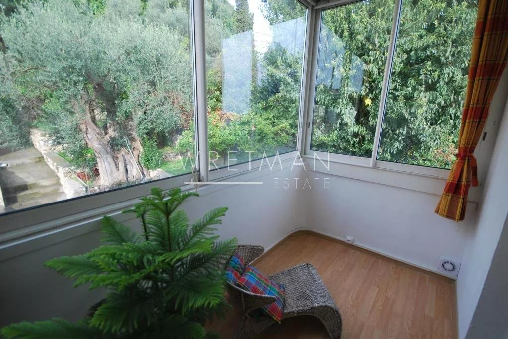 Apartment with a sea view - Antibes