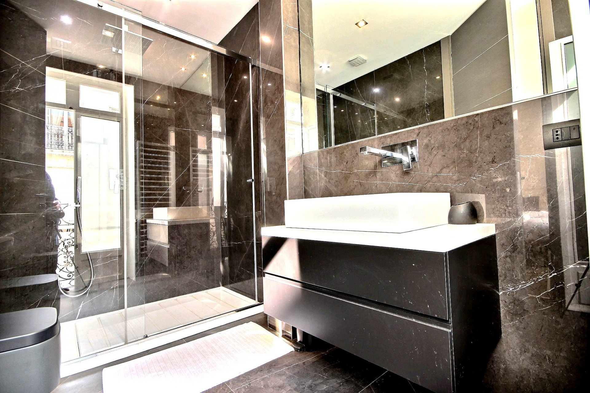 Luxurious property for sale in Cannes Banane