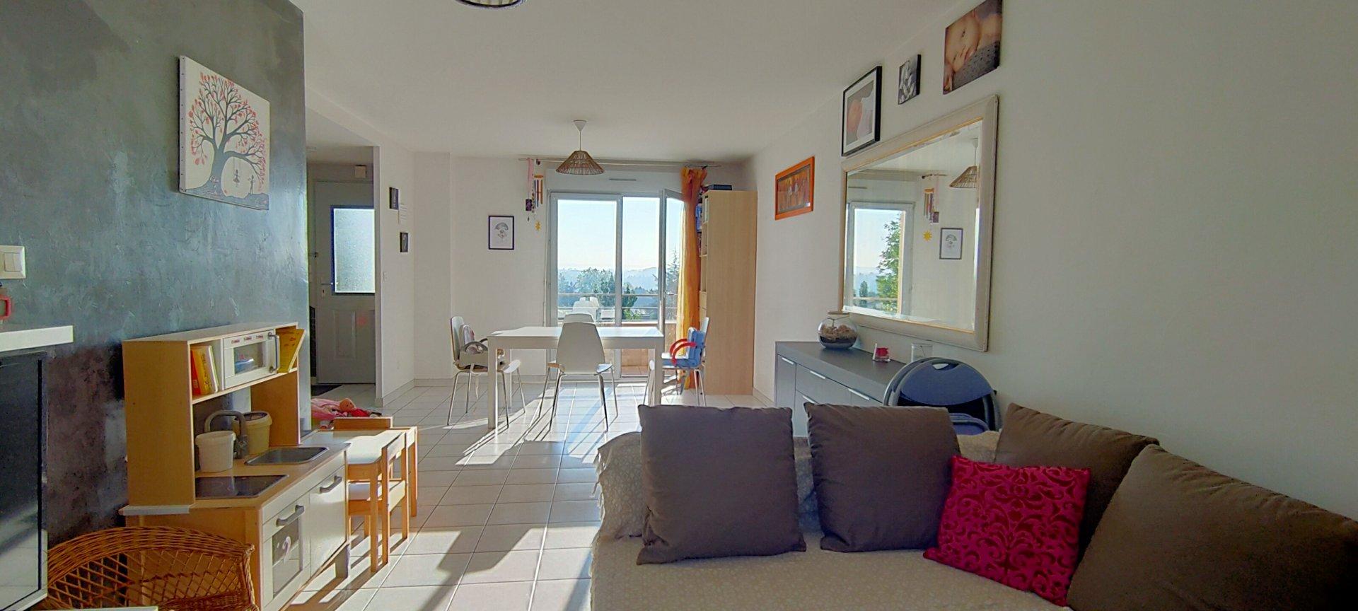 Appartement 3 Chambres avec jardin, garage et parking