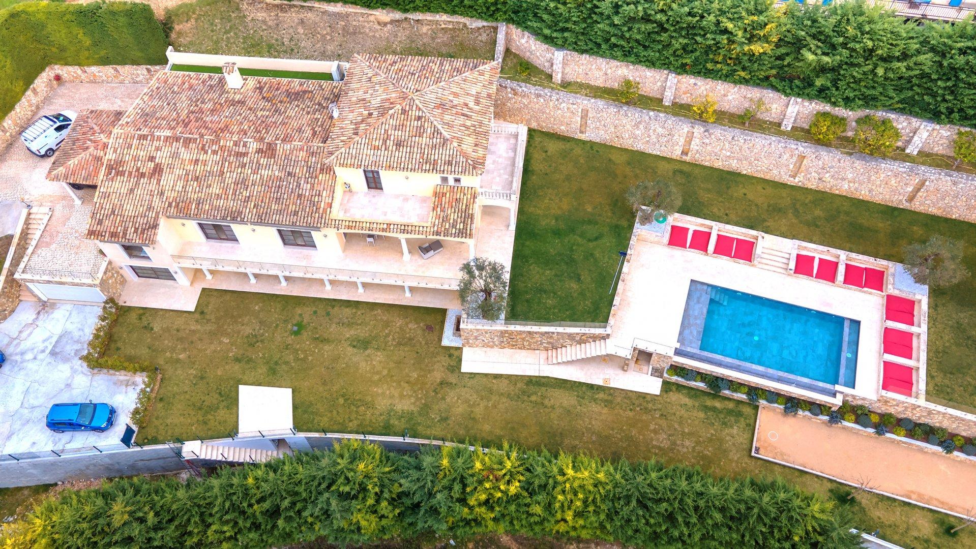 """Villa """"Art de vivre"""" sur les collines de Cagnes-sur-Mer"""