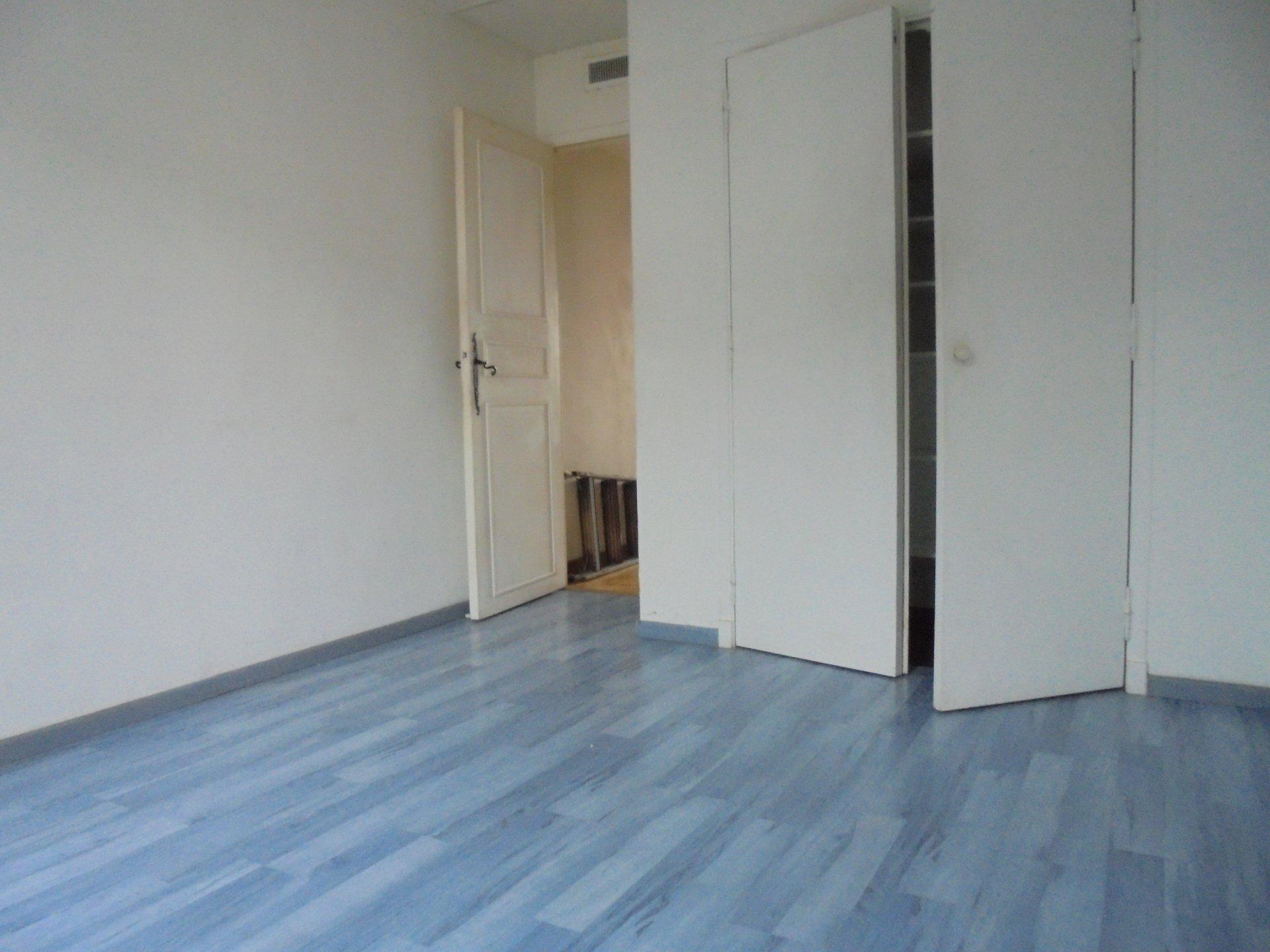 PEYMEINADE, Appartement 3 Pièces en duplex, Salarium, Parking