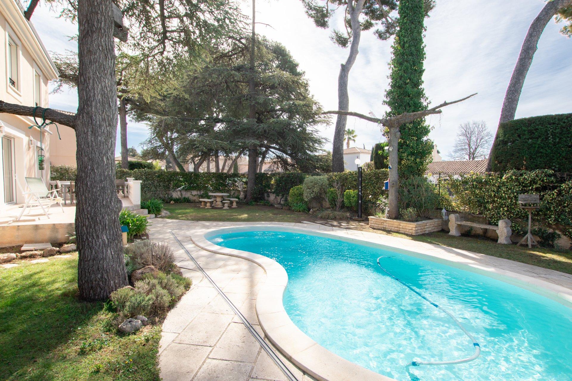 L'ENCHANTERESSE - Villa T5 de 160 m² - Terrain  510 m² avec Piscine 13012