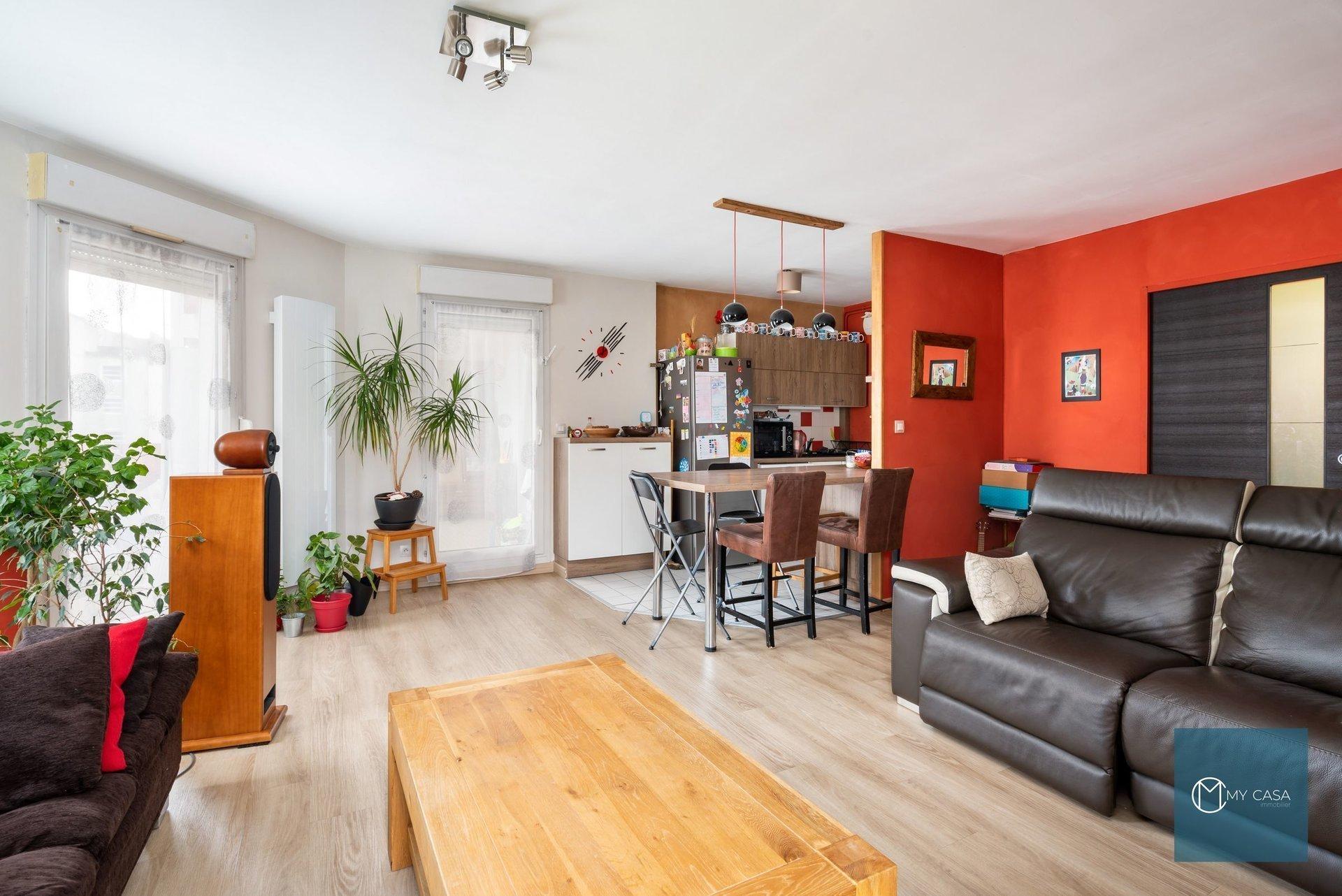 GERLAND - Joli T4 de 89 m2 avec Balcon
