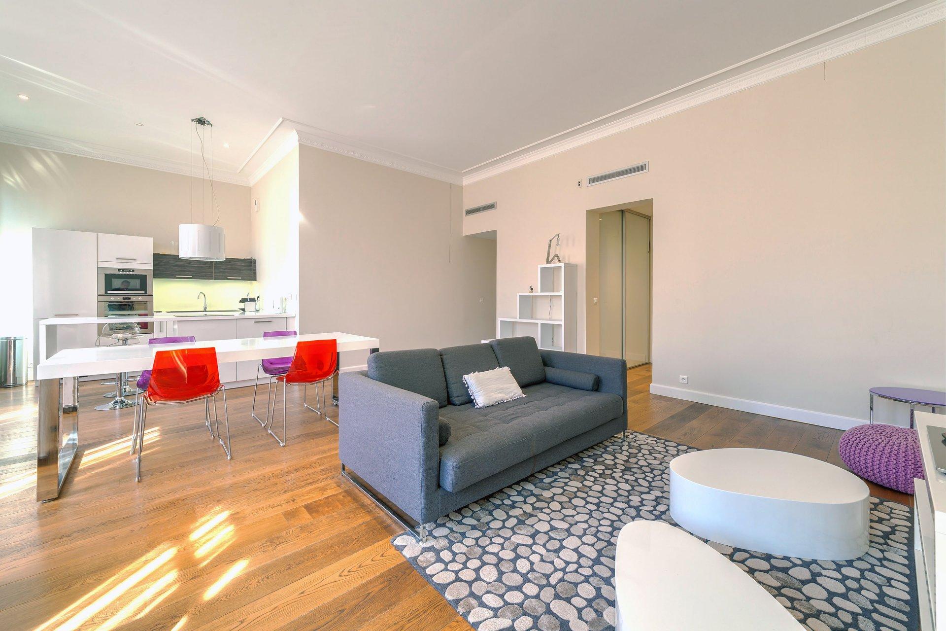 Superbe appartement de 89 m2 au cœur de rue d'Antibes