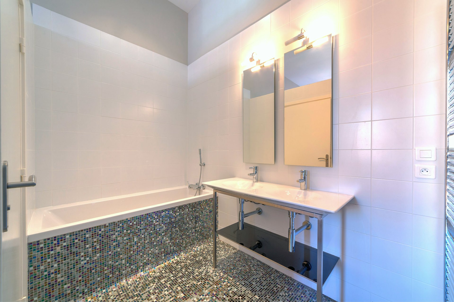 Superbe appartement de 85 m2 au cœur de rue d'Antibes