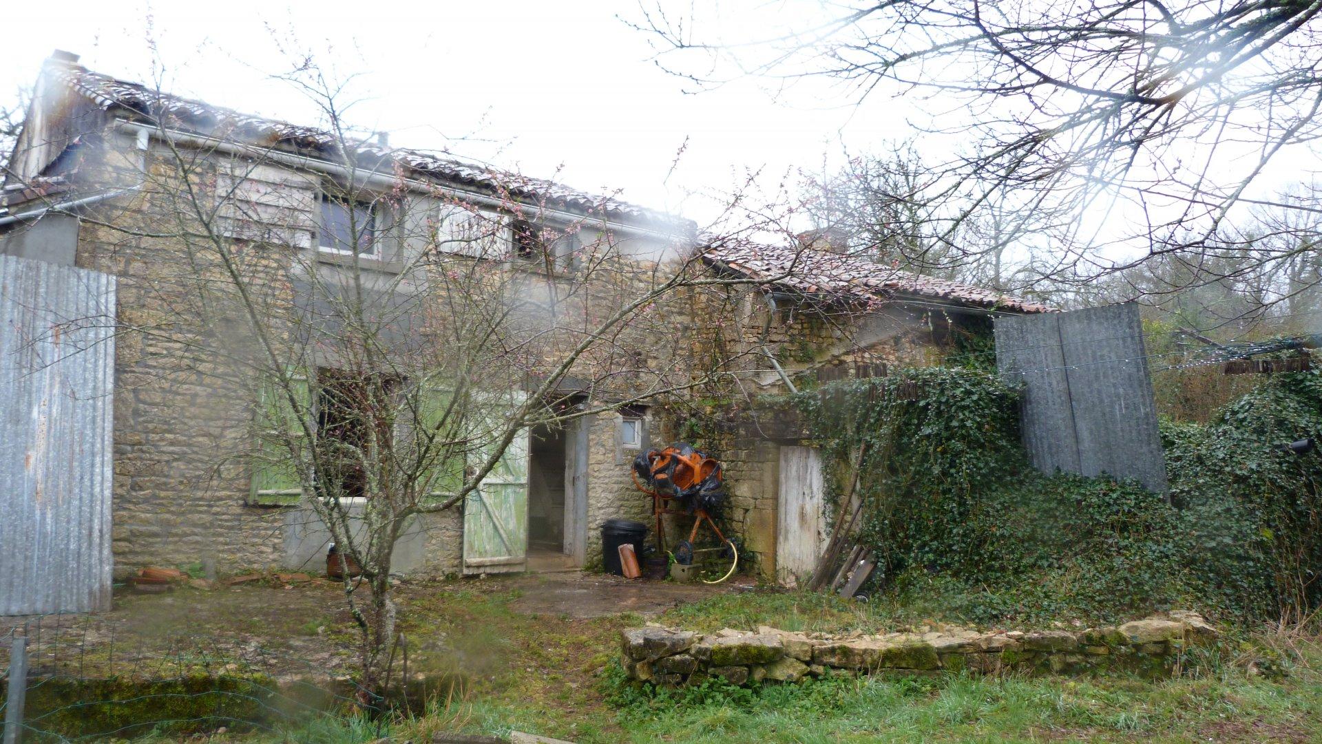 Maison a rénover a la campagne