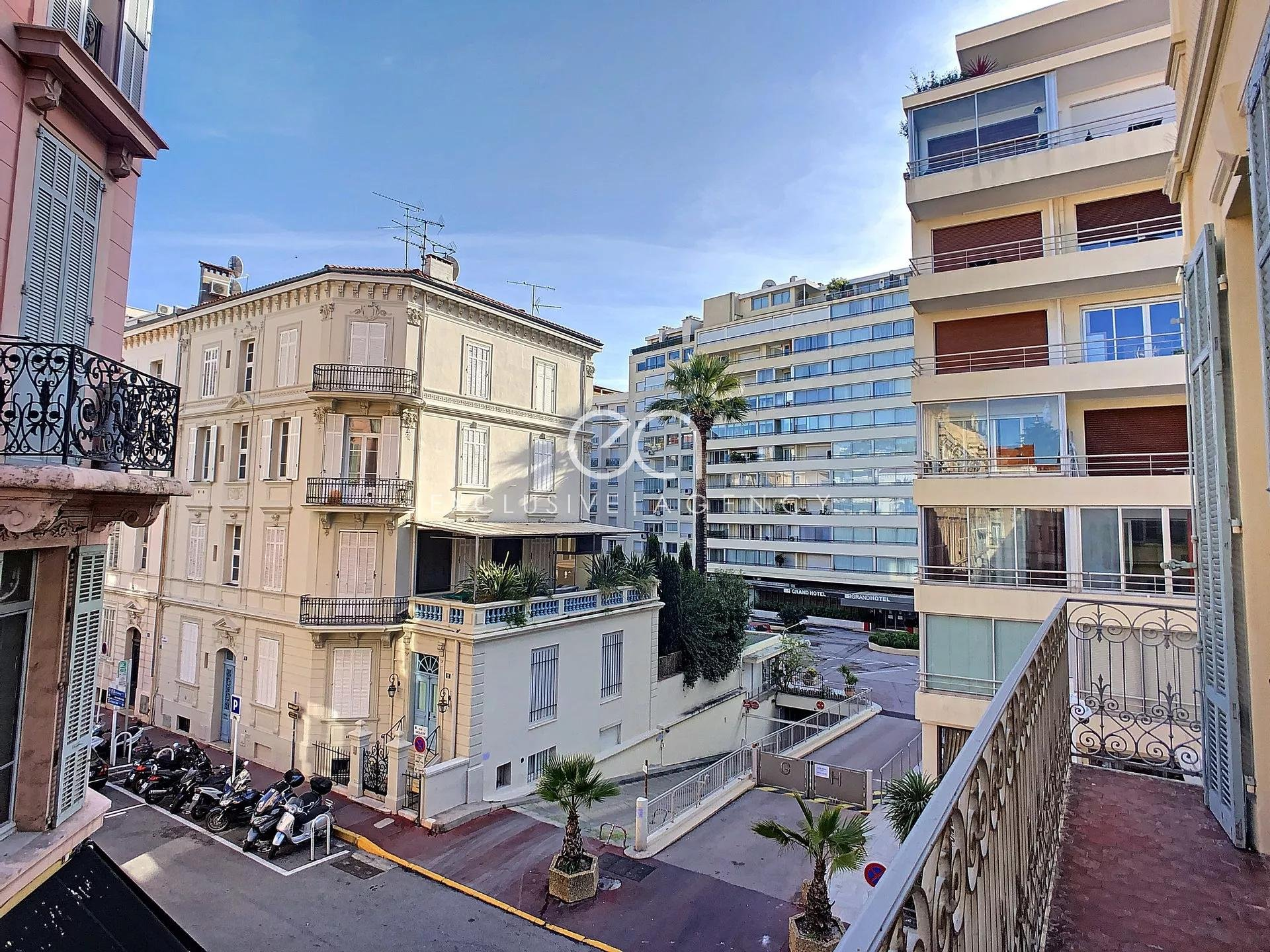 Cannes Banane 100m Croisette - building - Rental investment