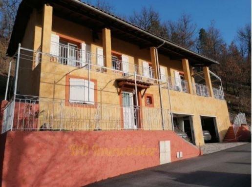 Maison individuelle composée de 2 appartements