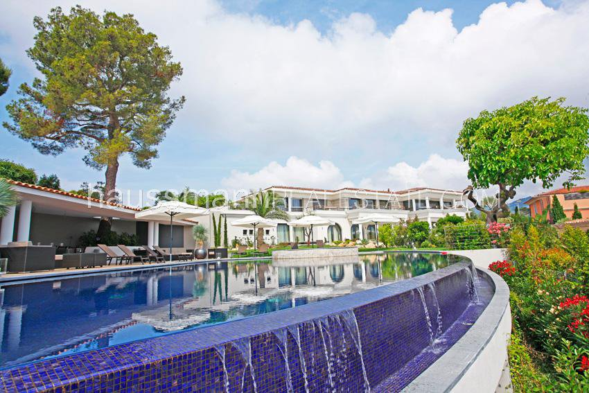 SPLENDID SEA VIEW  PROPERTY WITH SERVICES