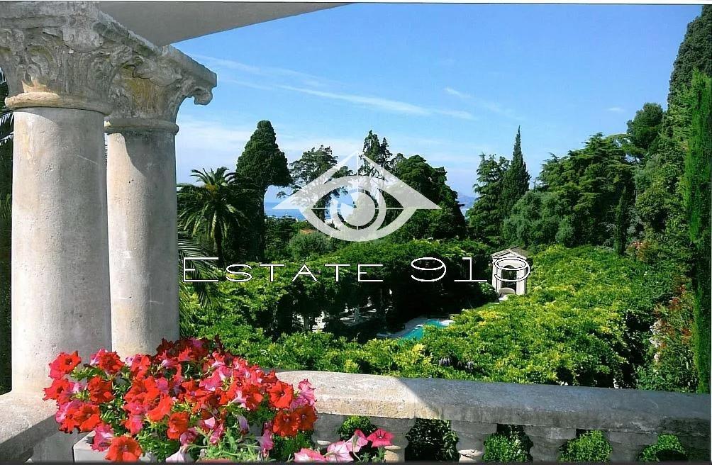 CANNES - VILLA 729 m²  - PISCINE