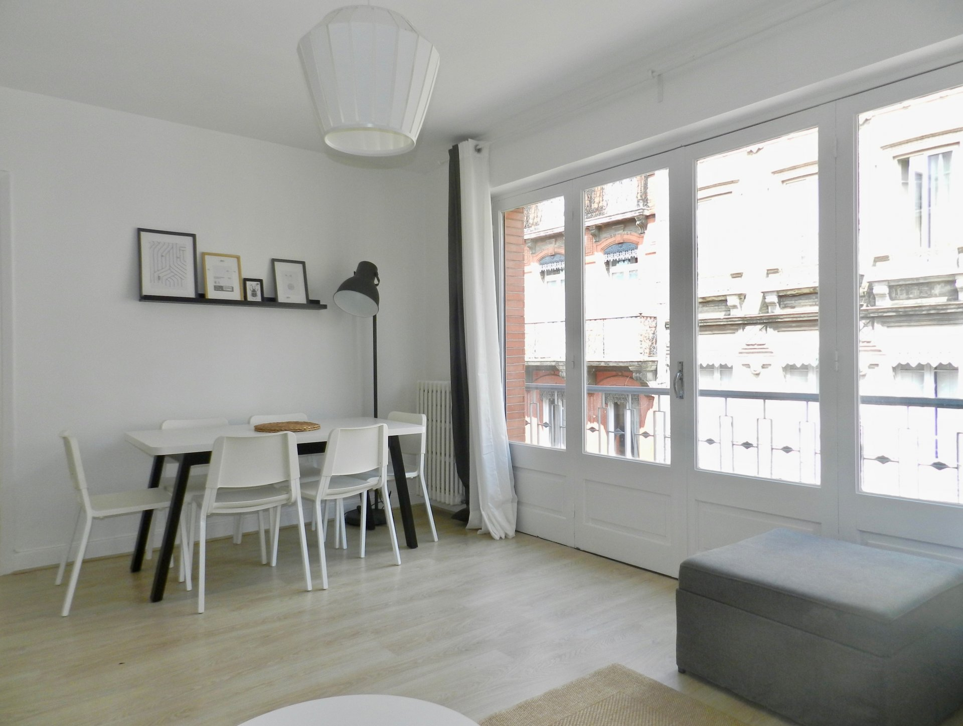 Very nice T4 apartment - 70,94 m2 - all furnished and equipped in RIQUET street...