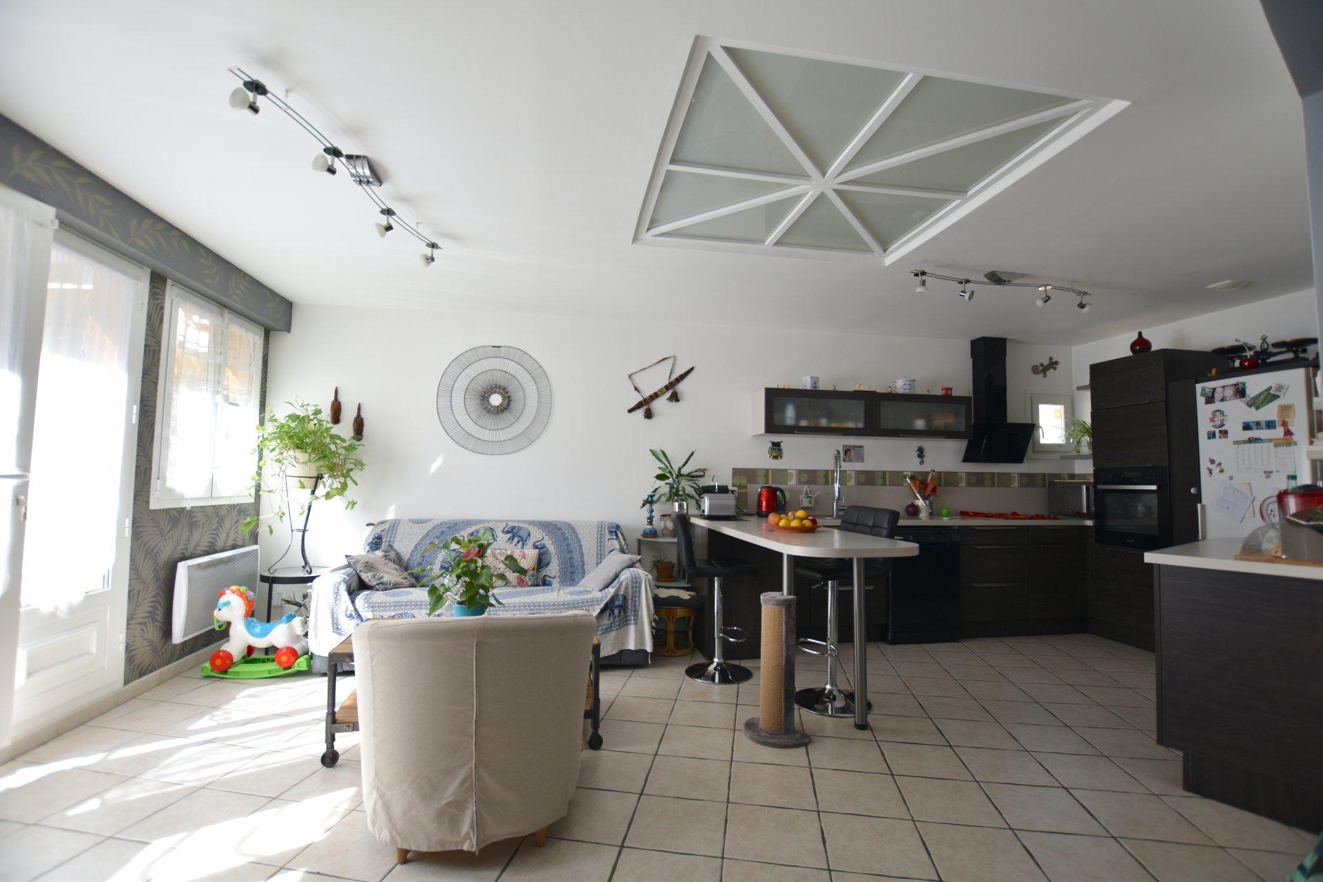 Bel Appartement Duplex avec Terrasse en centre-ville