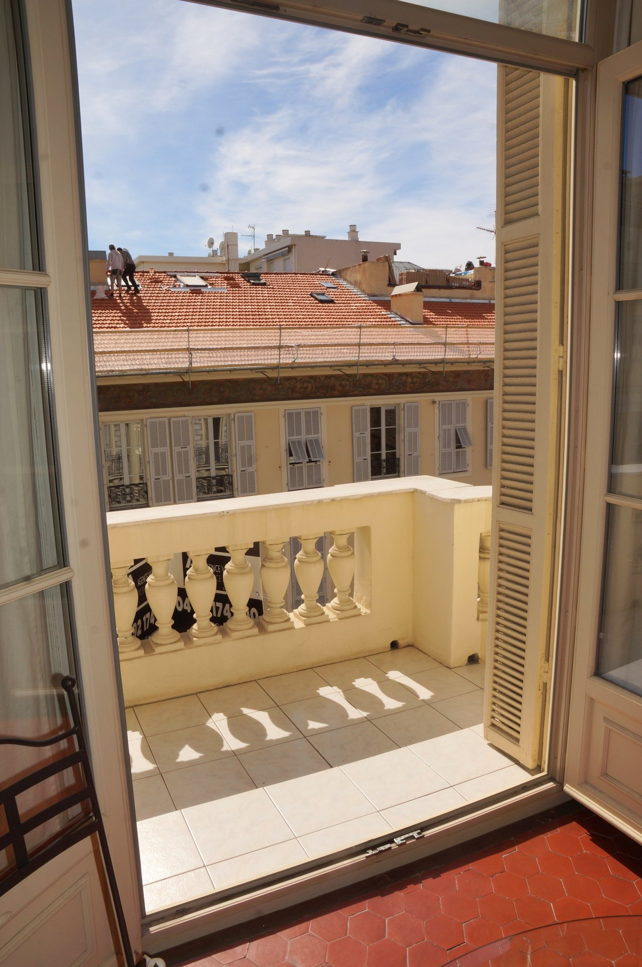 LE PORT - 4 ROOMS APARTMENT WITH BALCONY