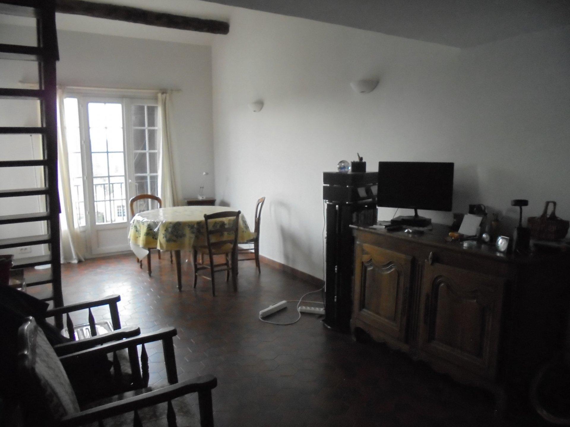 PEYMEINADE, En dernier étage Appartement d' angle, 72 m², Terrasses, Parking