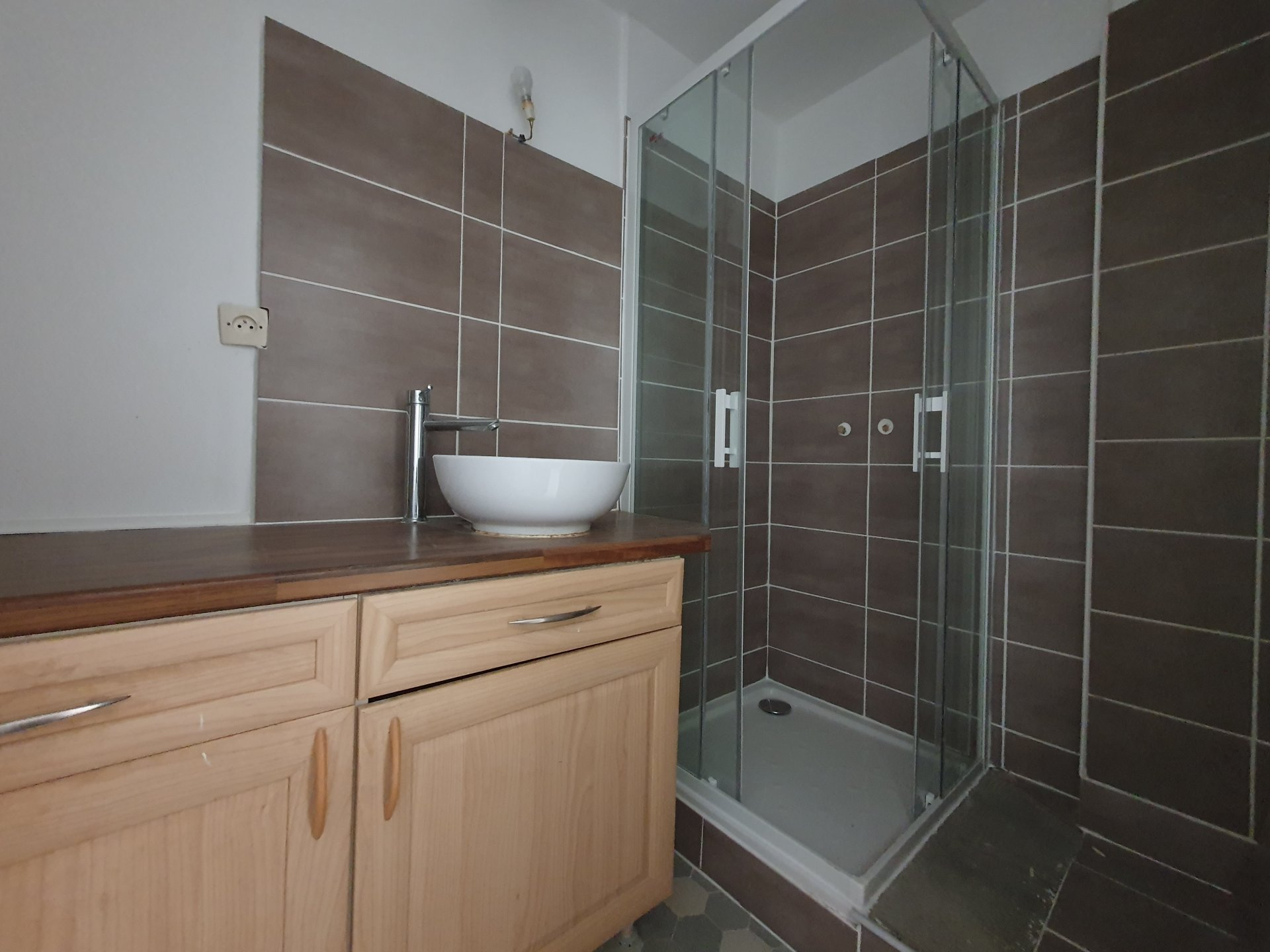 APPARTEMENT T3 RENOVE - LUMINEUX