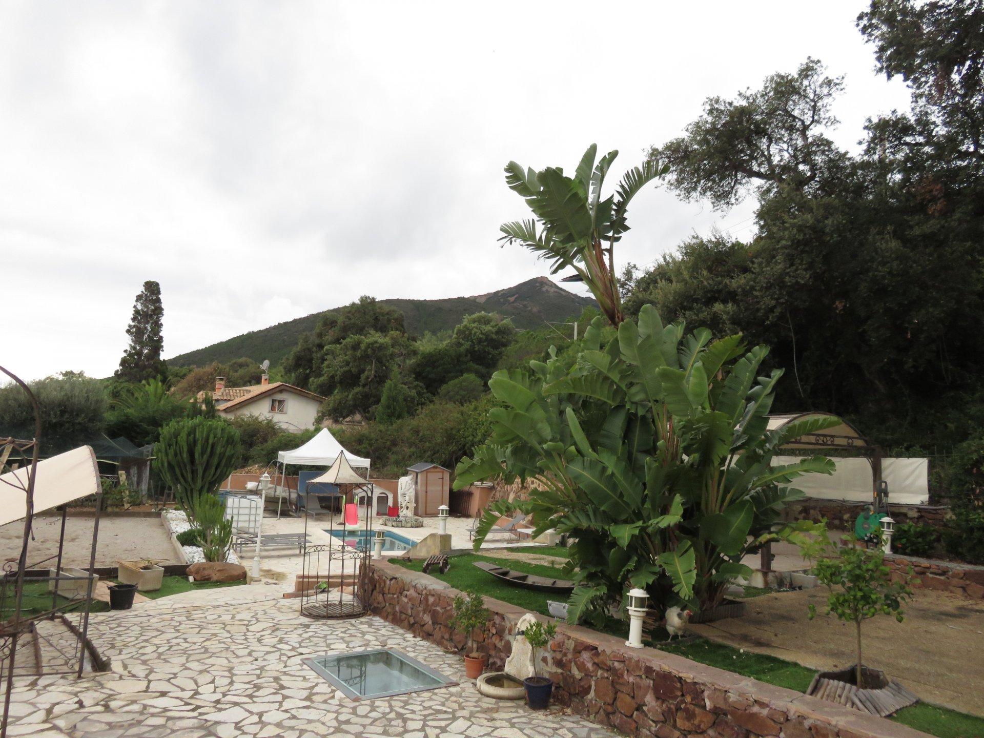 Villa mellom Middelhavet og Estérel Massif