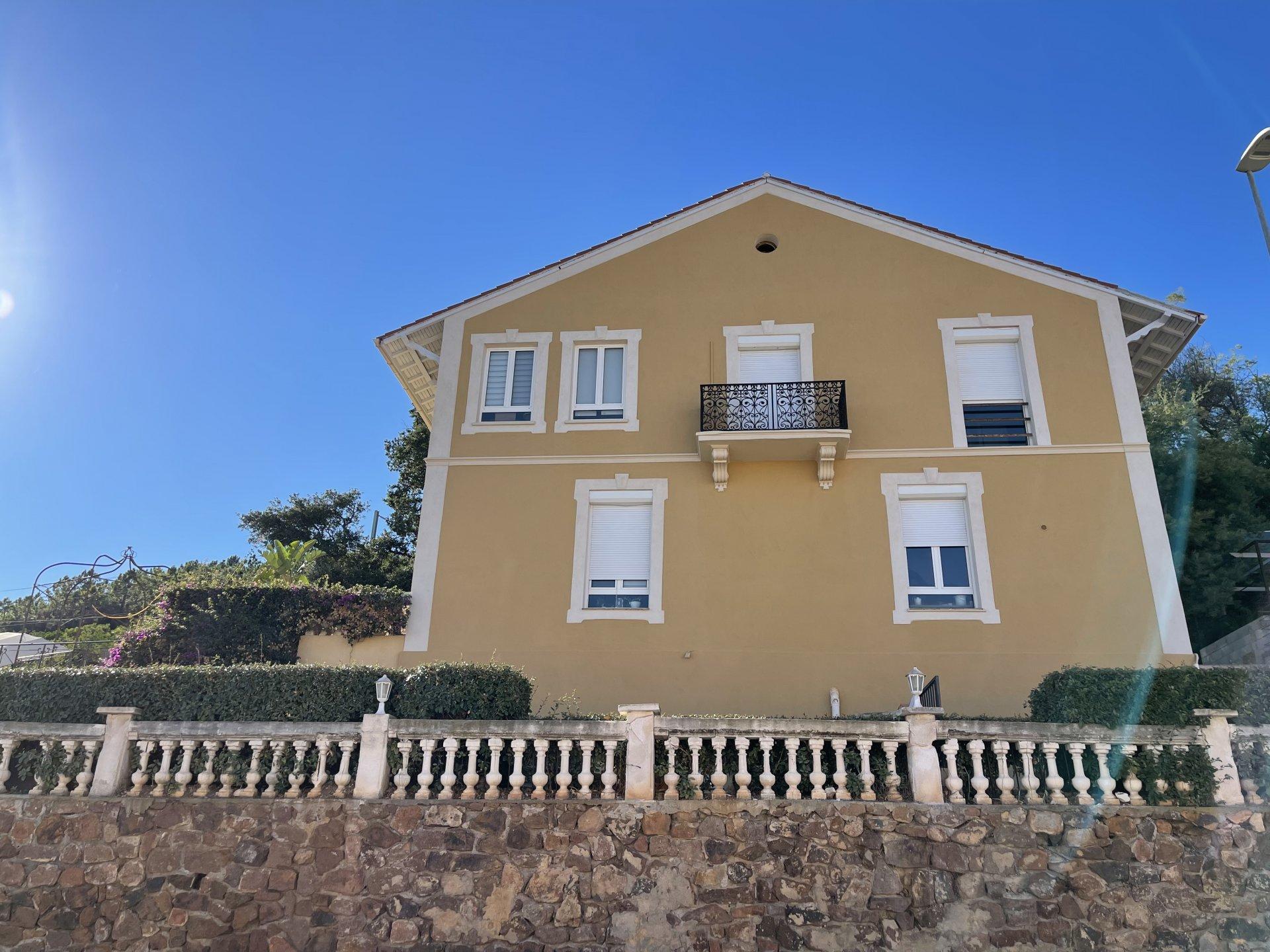 Villa zwischen dem Mittelmeer und dem Estérel-Massiv