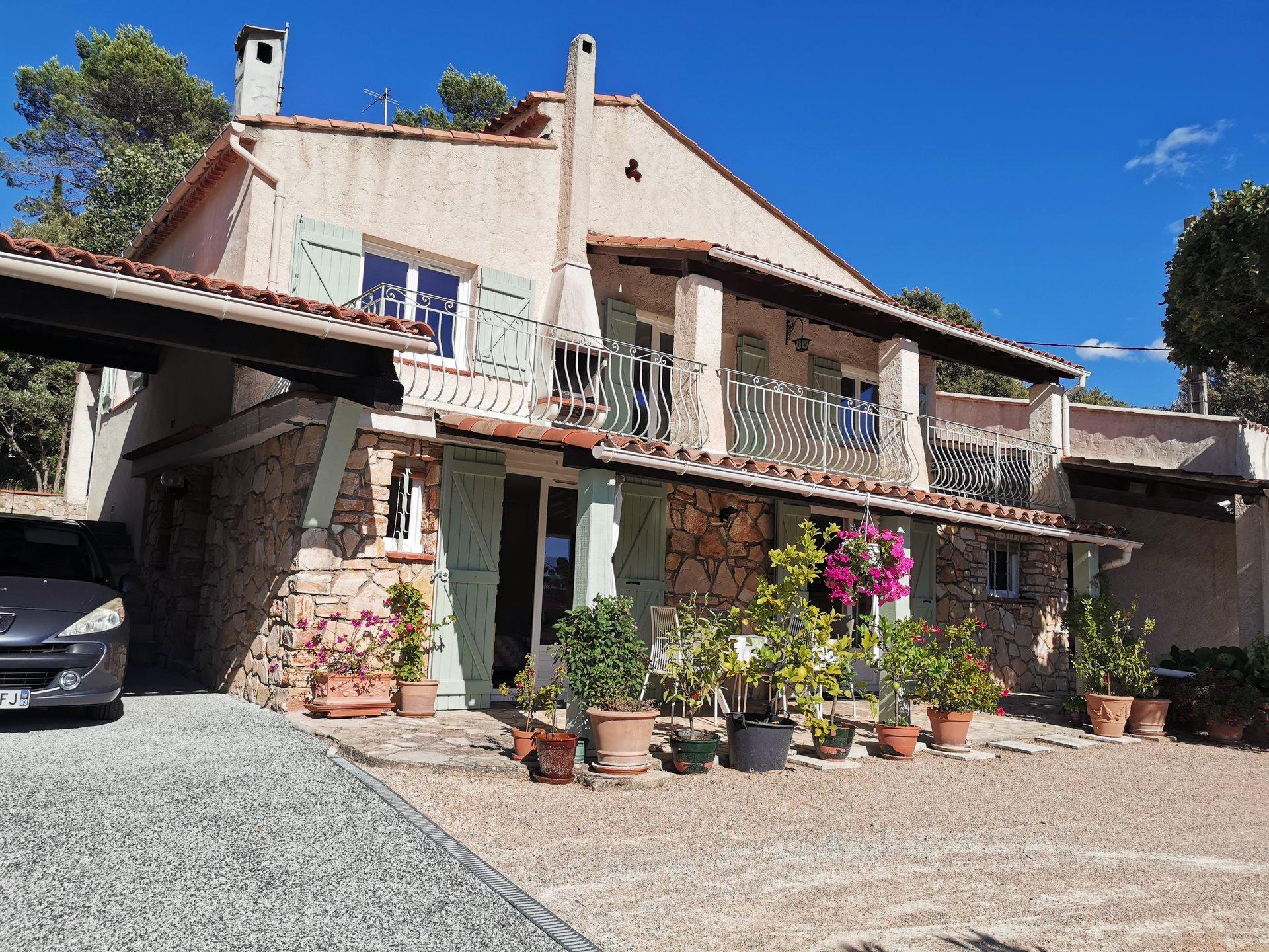 LORGUES villa avec 2 appartements indépendants