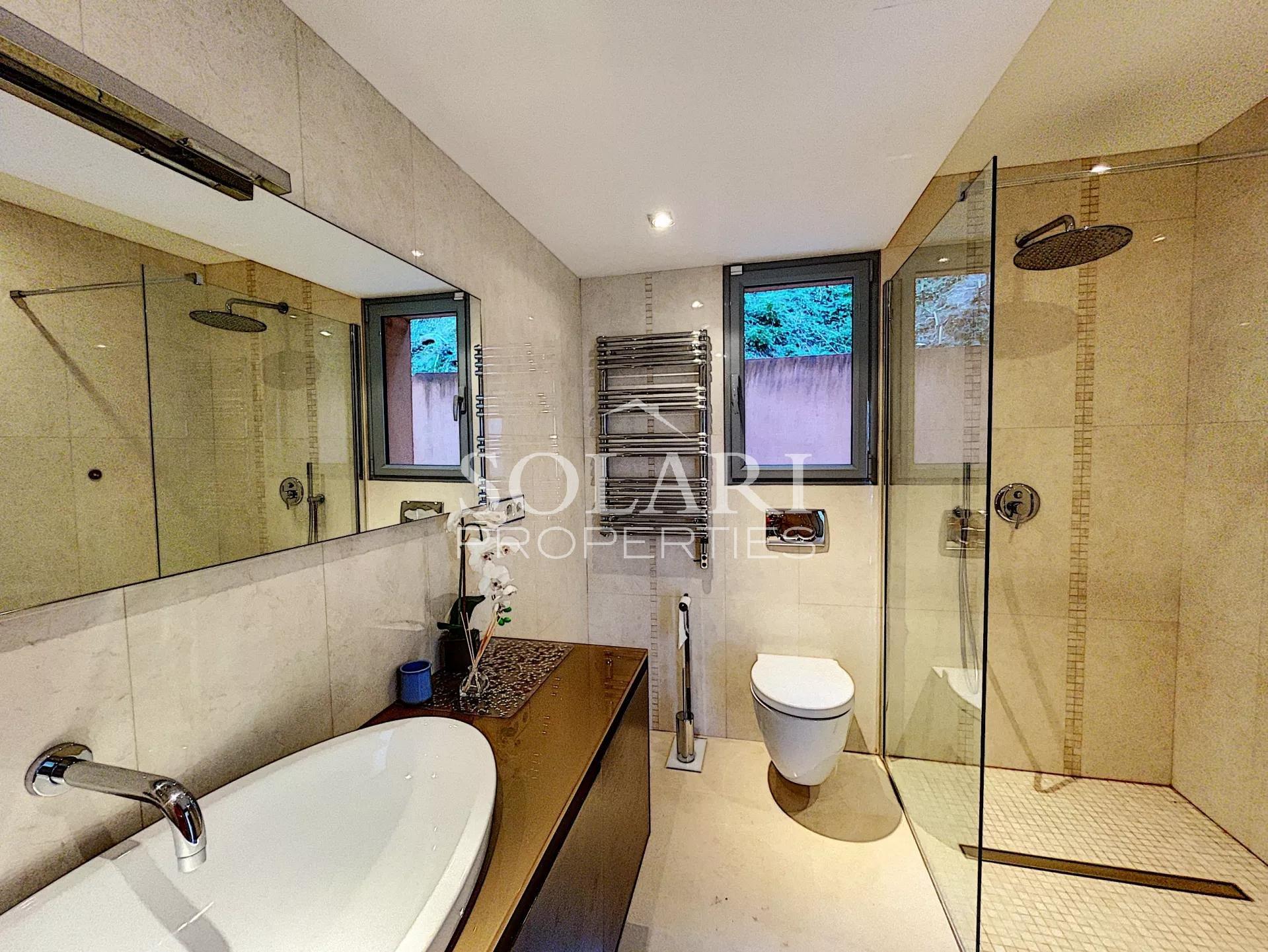Villa avec piscine dans la baie de Cannes