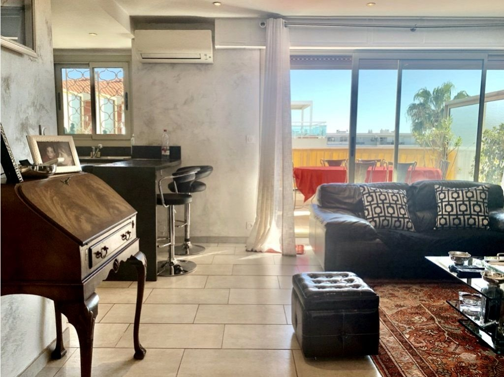 Cannes Palm Beach - Top floor 2-BR apartment Terrace and Parking space