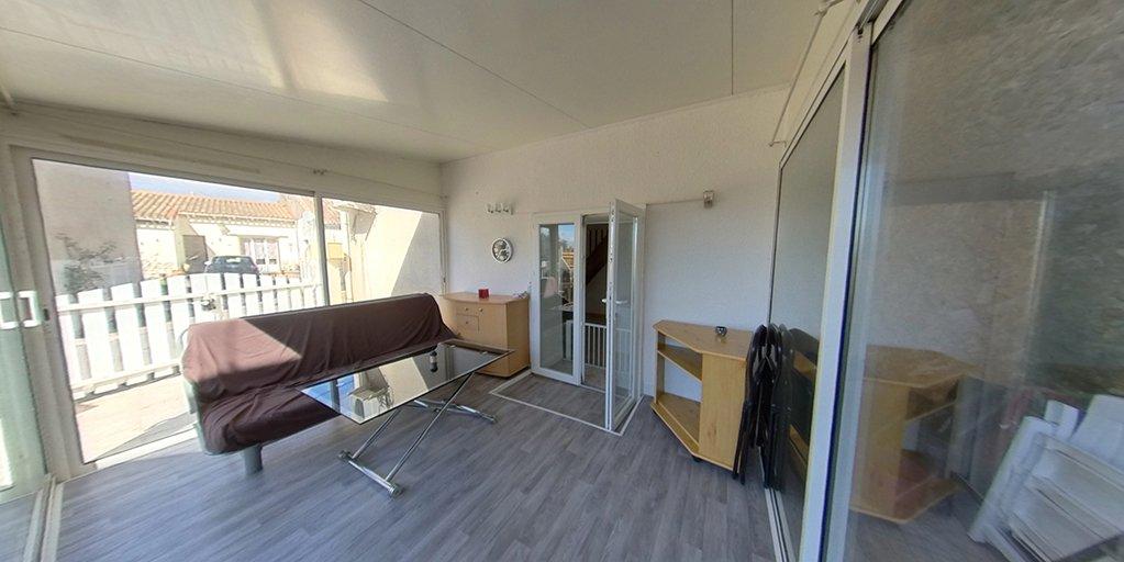 NOUVEAU - Maisonnette T3 + véranda, cour, immense remise sur un étage