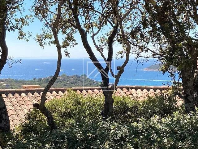 Villa 4 chambres vue mer, plage à pied, Santa Giulia