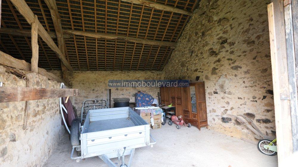 Barn for sale in Roussillon en Morvan Burgundy