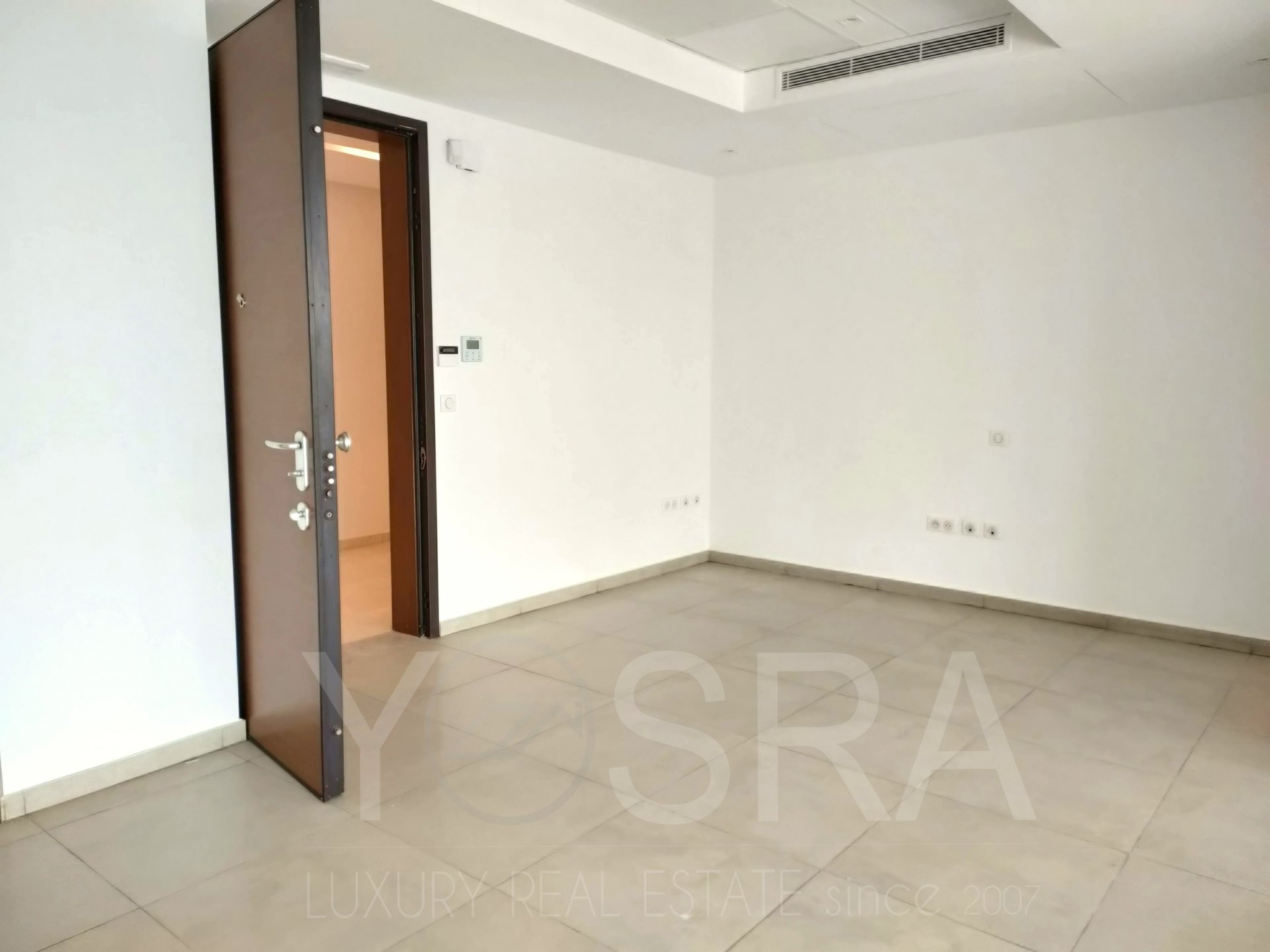 open space de 80 m² au lac 2