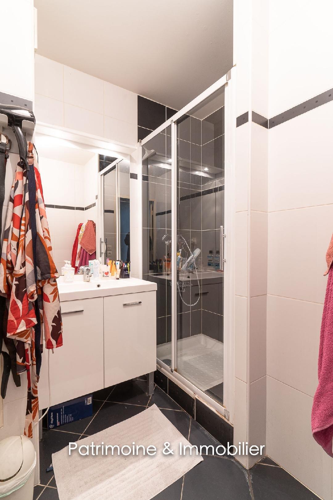 Sale Apartment - Villeurbanne Grandclément