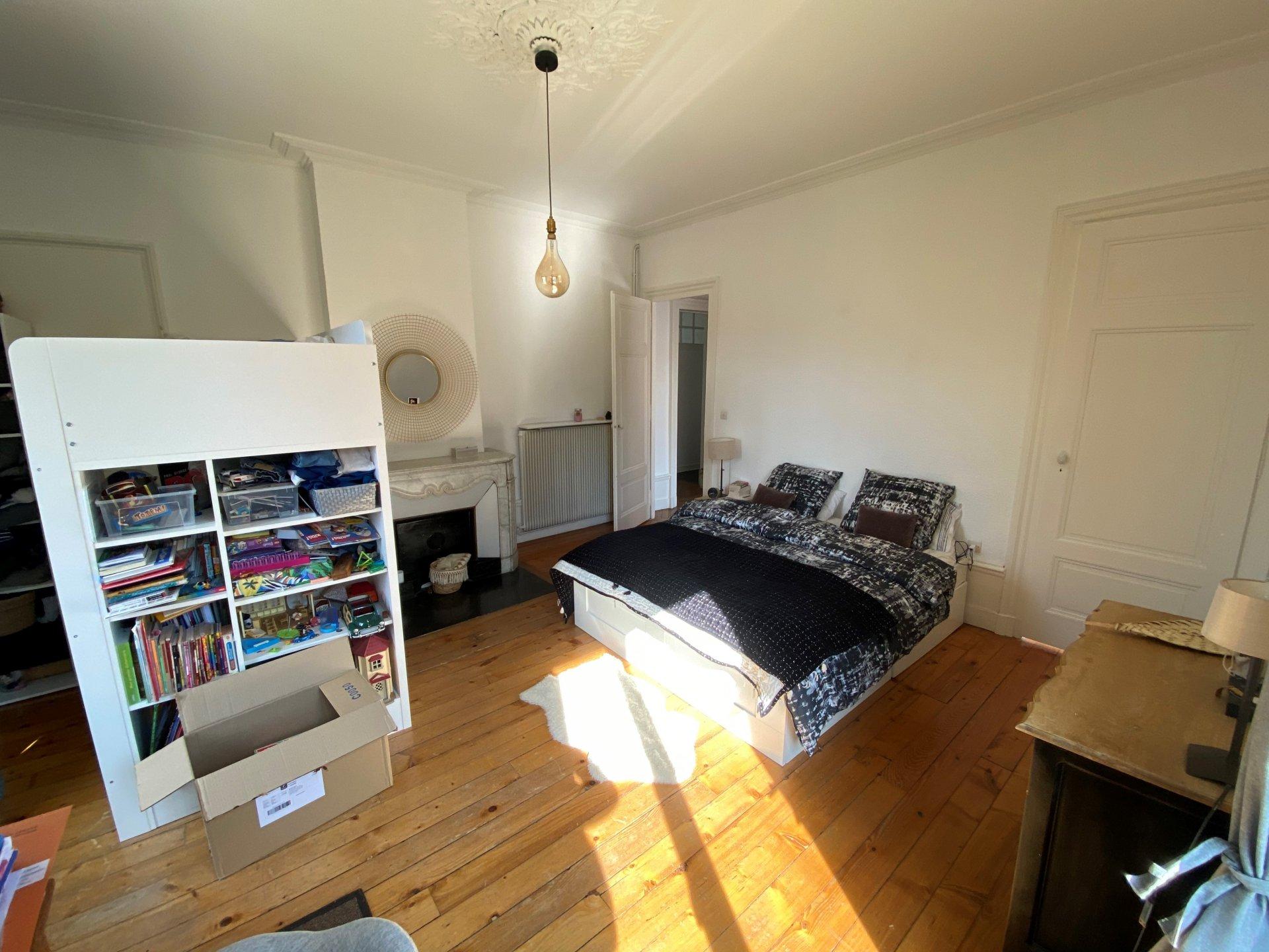 SAINT-PRIEST-EN-JAREZ - Appartement T4 dans maison Bourgeoise