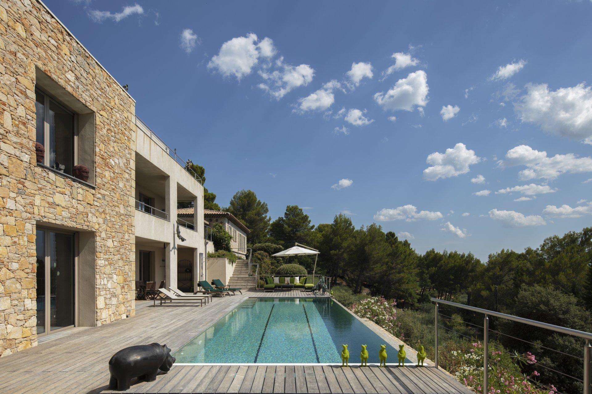Stunning property with panoramic views close to Tourtour village