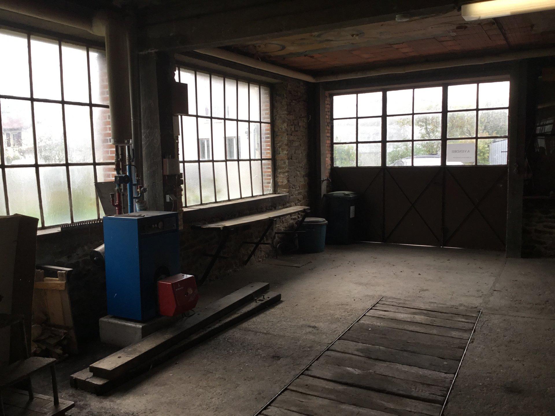 atelier + appartement + terrain