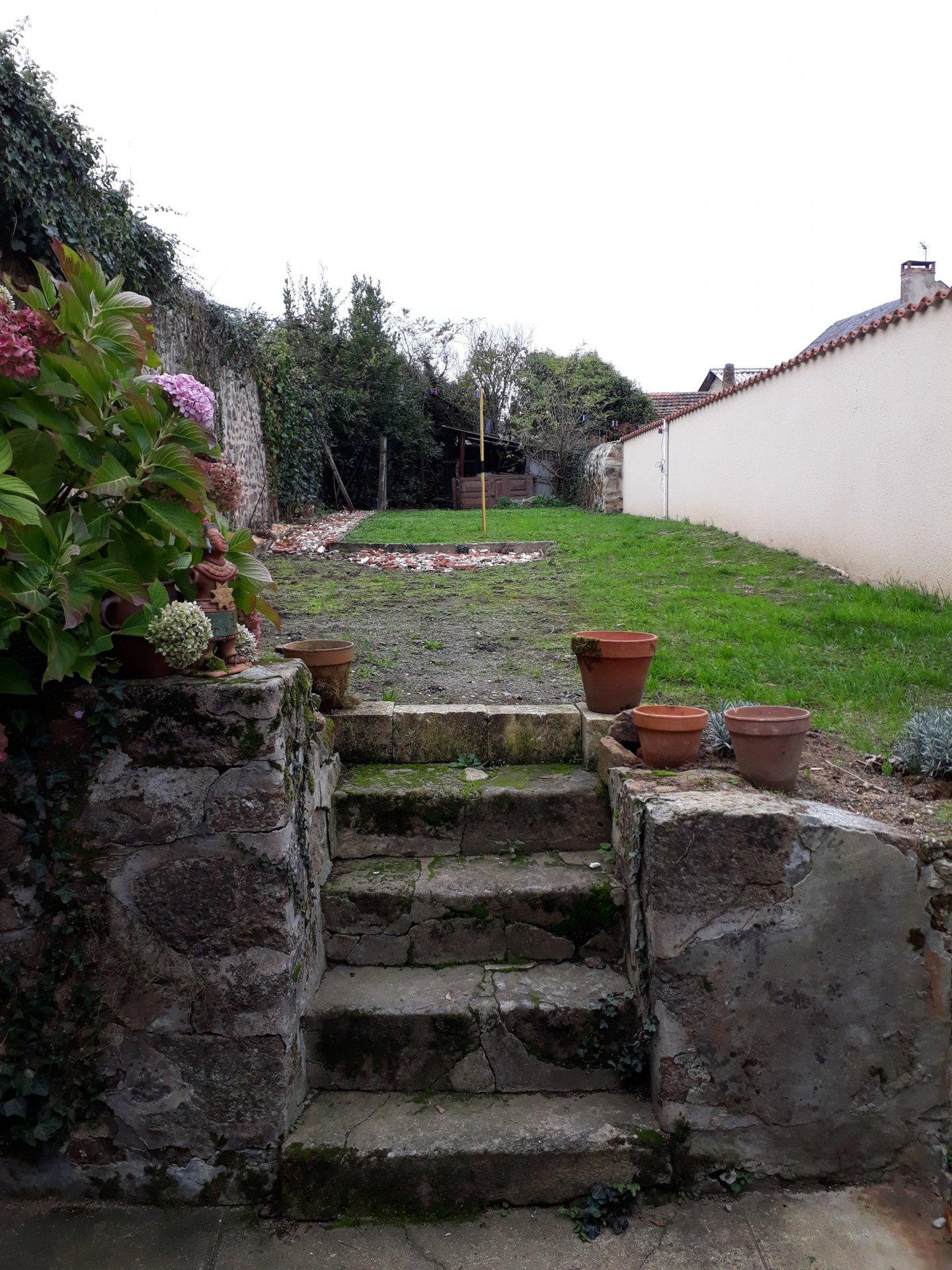 Haus mit Garten Zu verkaufen in Magnac Laval - Haute Vienne