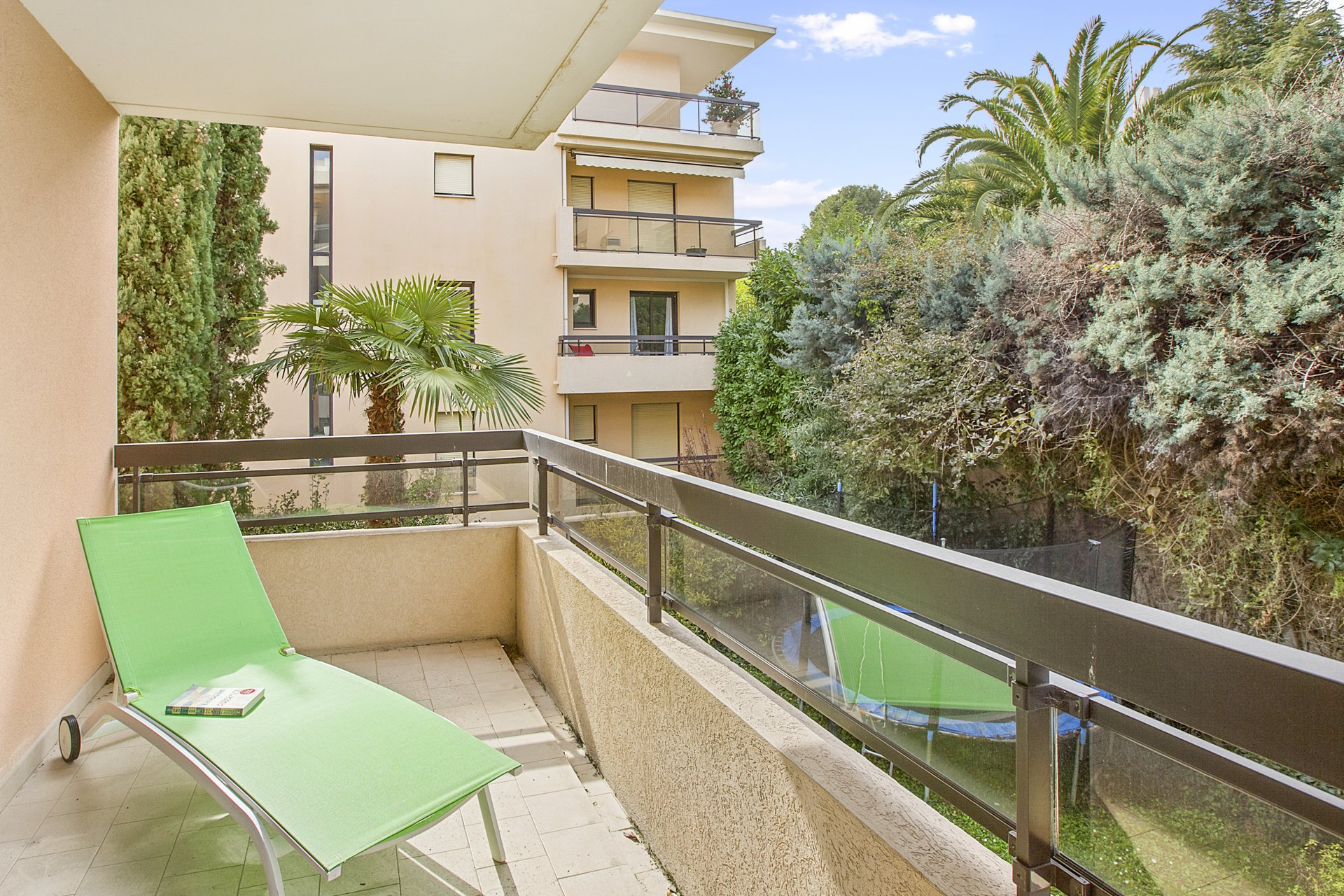 3 bed apartment in quiet residential area of Cannes - Montrose