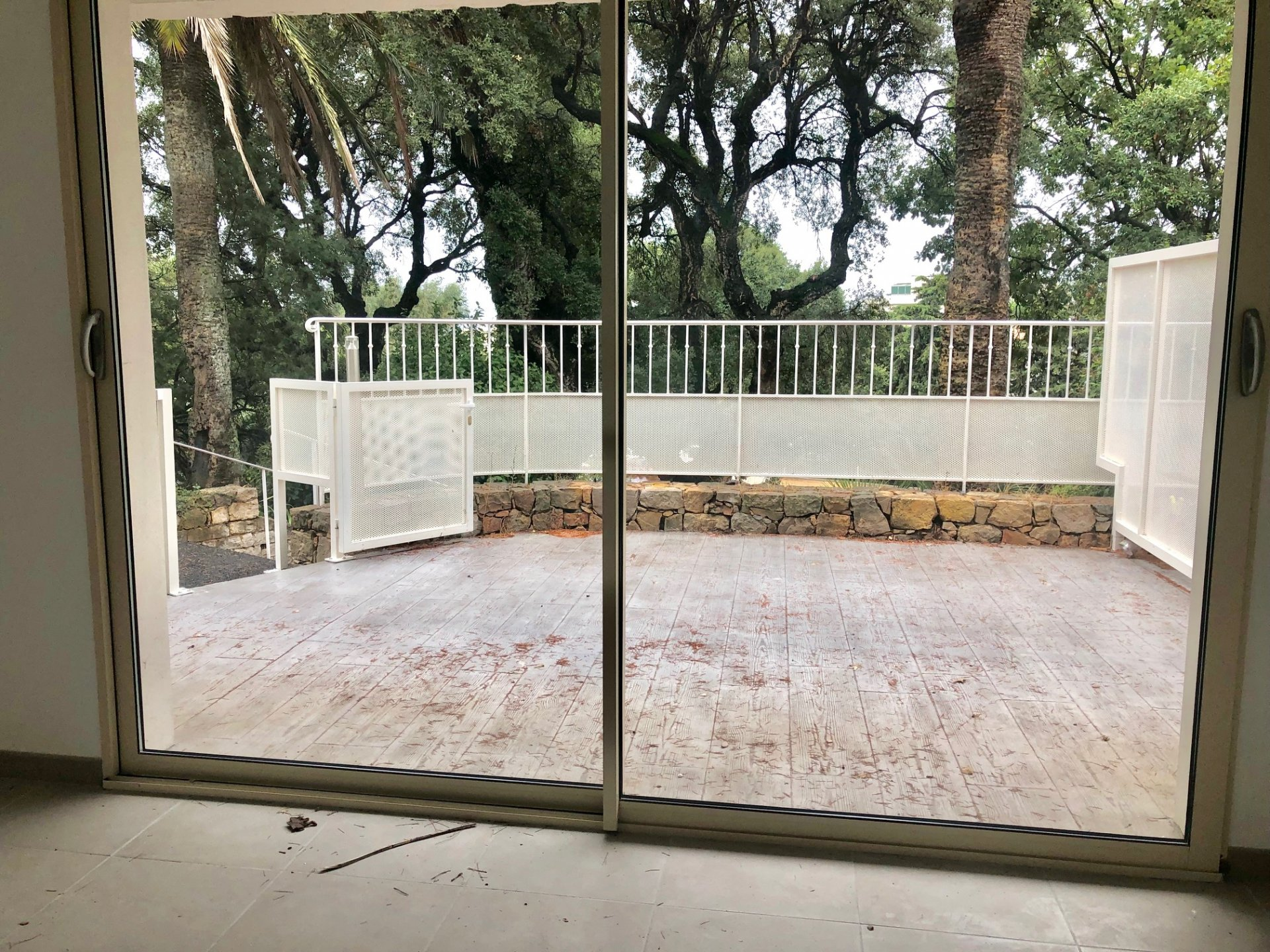 Grand studio avec terrasse