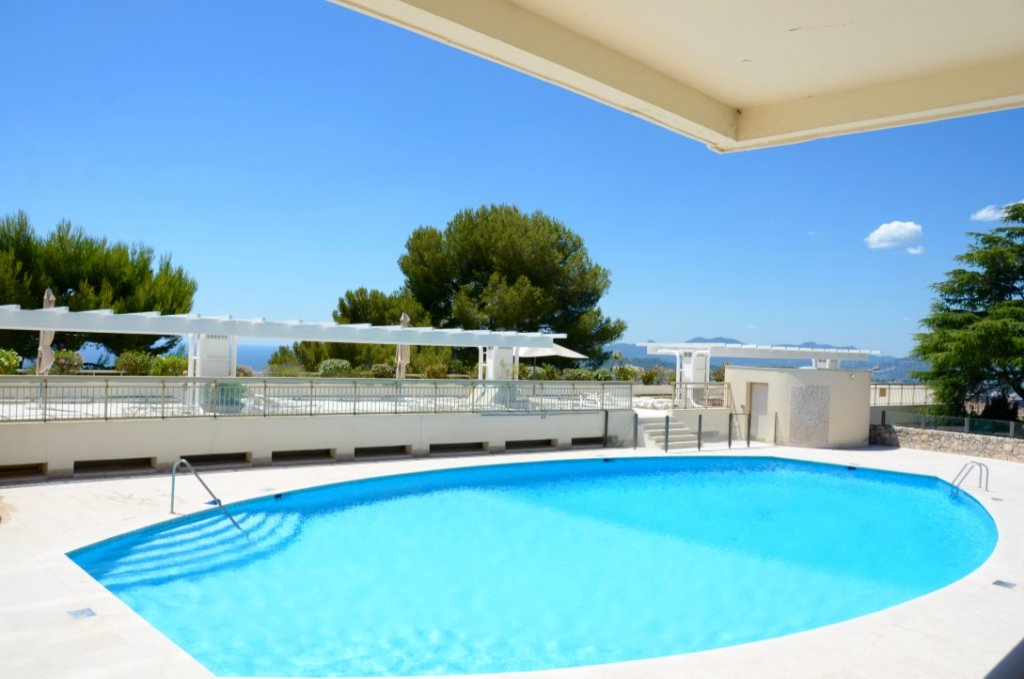 Superbe 4P appartement vue mer et montagne panoramique, Cannes
