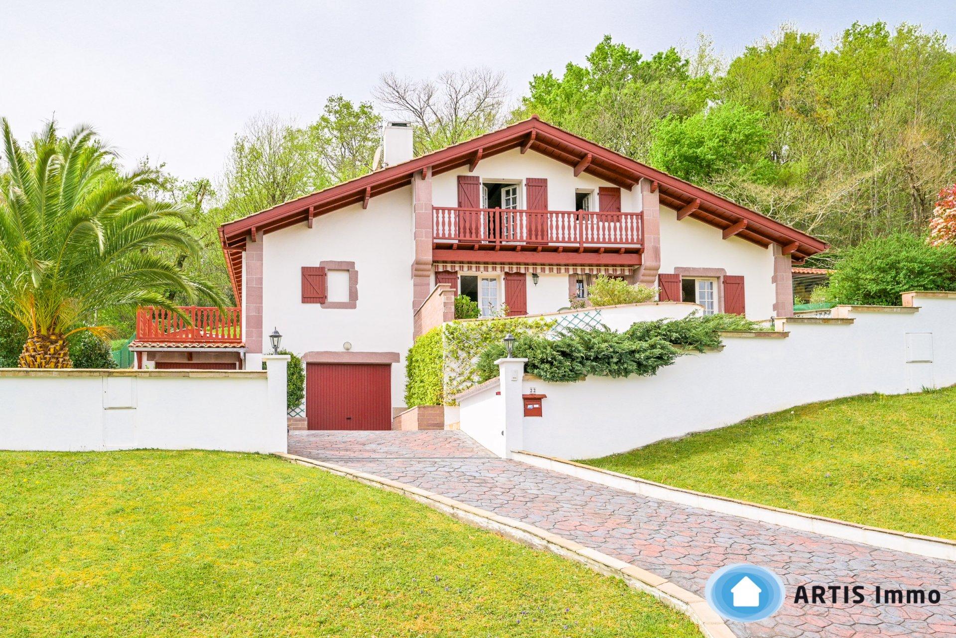 Belle villa sur Ascain