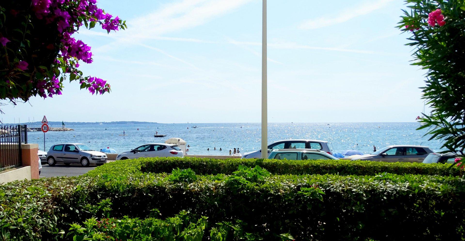 Cannes Palm Beach 2 pièces mer
