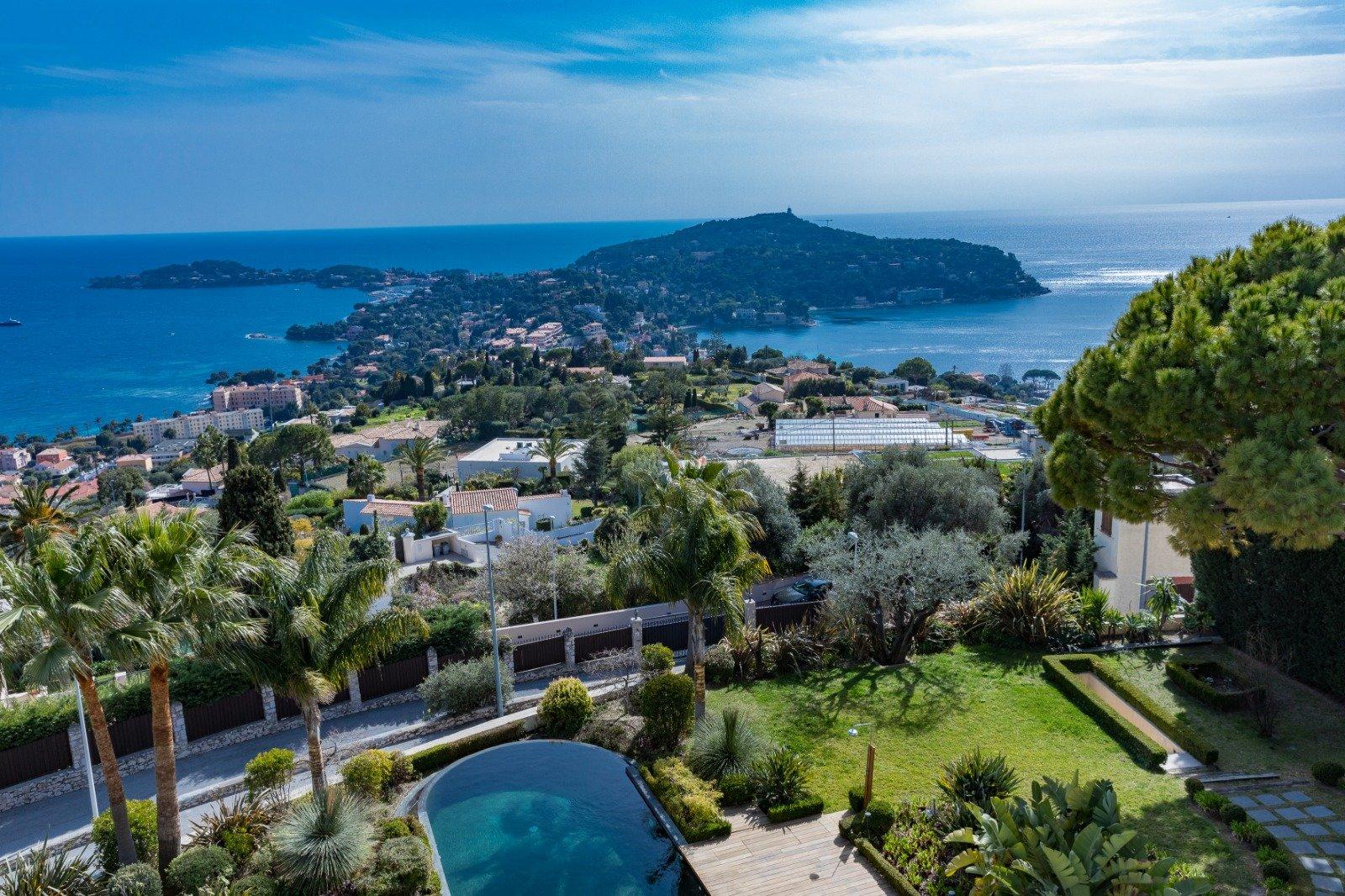 Villefranche-sur-Mer-magnifique propriété Belle Epoque avec vue mer époustouflante
