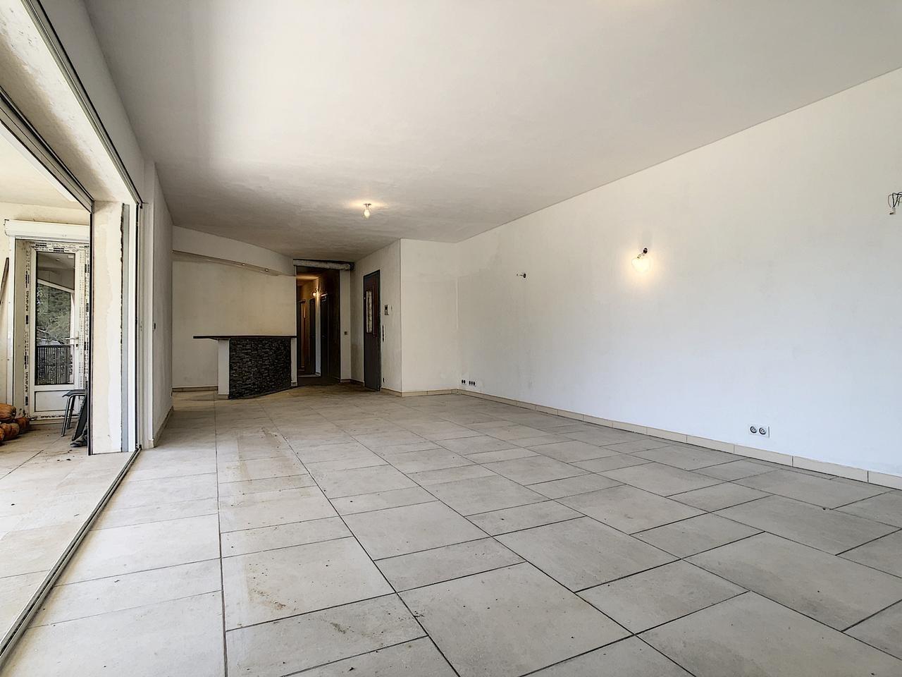 Maison  10 Locali 250m2  In vendita   950000 €