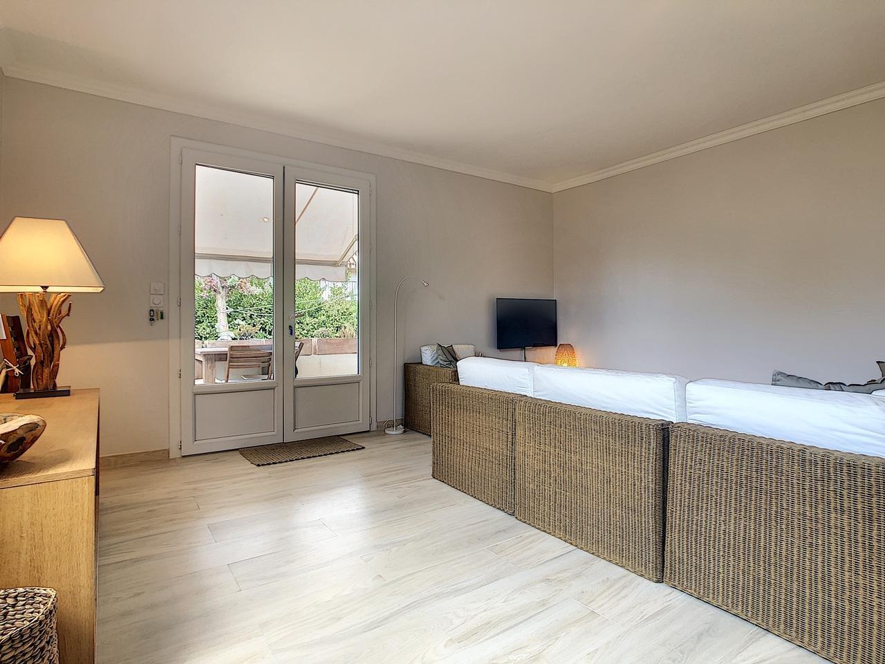 Maison  5 Locali 115m2  In vendita   745000 €