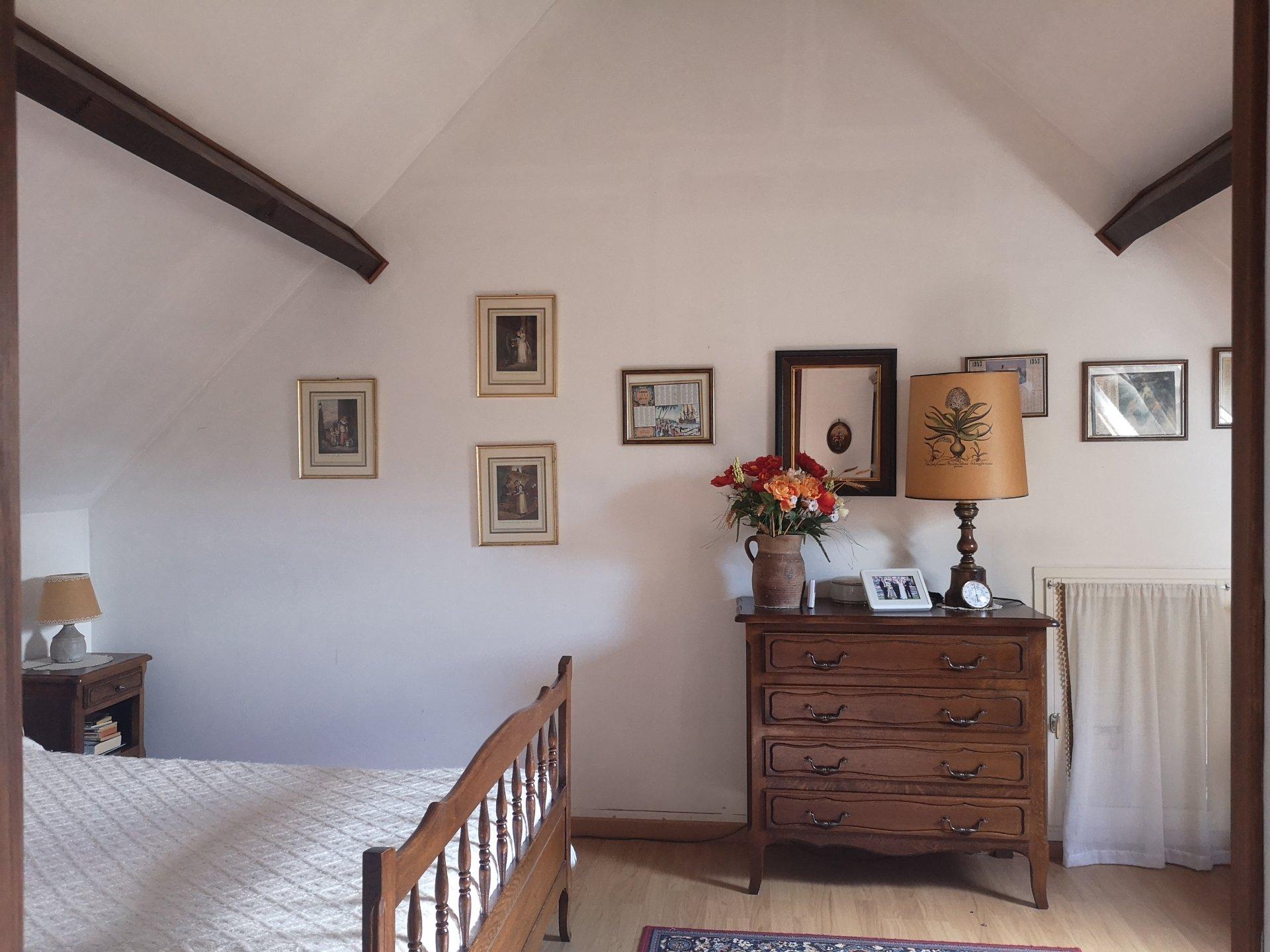 Maison en pierre dans le Perche entre Mortagne et Tourouvre